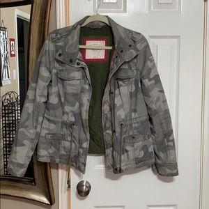 Abercrombie & Fitch camo heavy jacket
